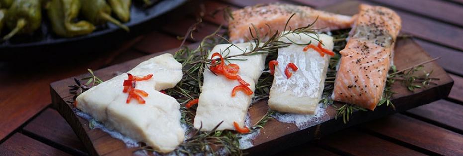 Plankenfisch vom Kräuterbett
