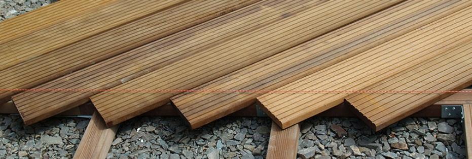 Terrassenbau - Beplanken